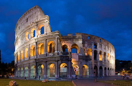 Imagem:Colosseum in Rome, Italy - April 2007.jpg